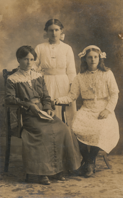 Maude, Violet and Lily Andersen, Septimus